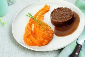 Bord met hutspot rundvlees