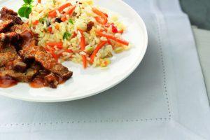 Bord met babi pangang met nasi